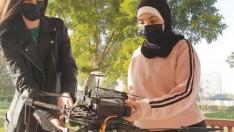 Abu Dabi Üniversitesi elektrik bilgisayar ve makine mühendisliği ögrencileri
